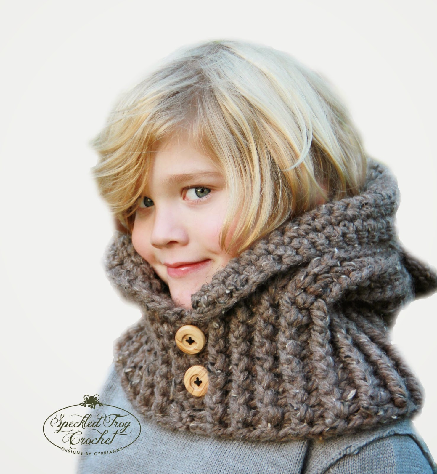 Knitting Pattern Hood With Ears : CROCHET HOODED BEAR COWL PATTERN